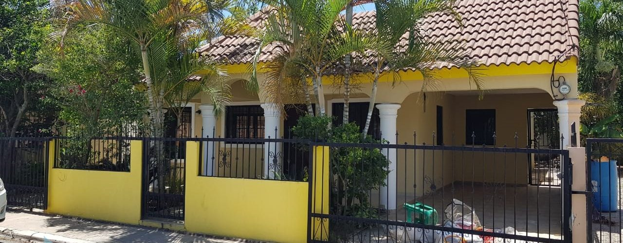 Beautiful house for sale in Valle Verde I in Santiago D.R.